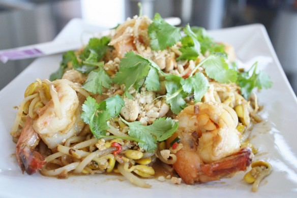 Soy Bean Sprout Pad Thai with Shrimp