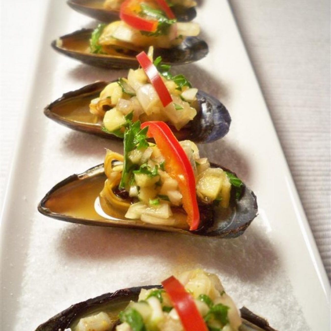 Mussels with Spicy Salsa