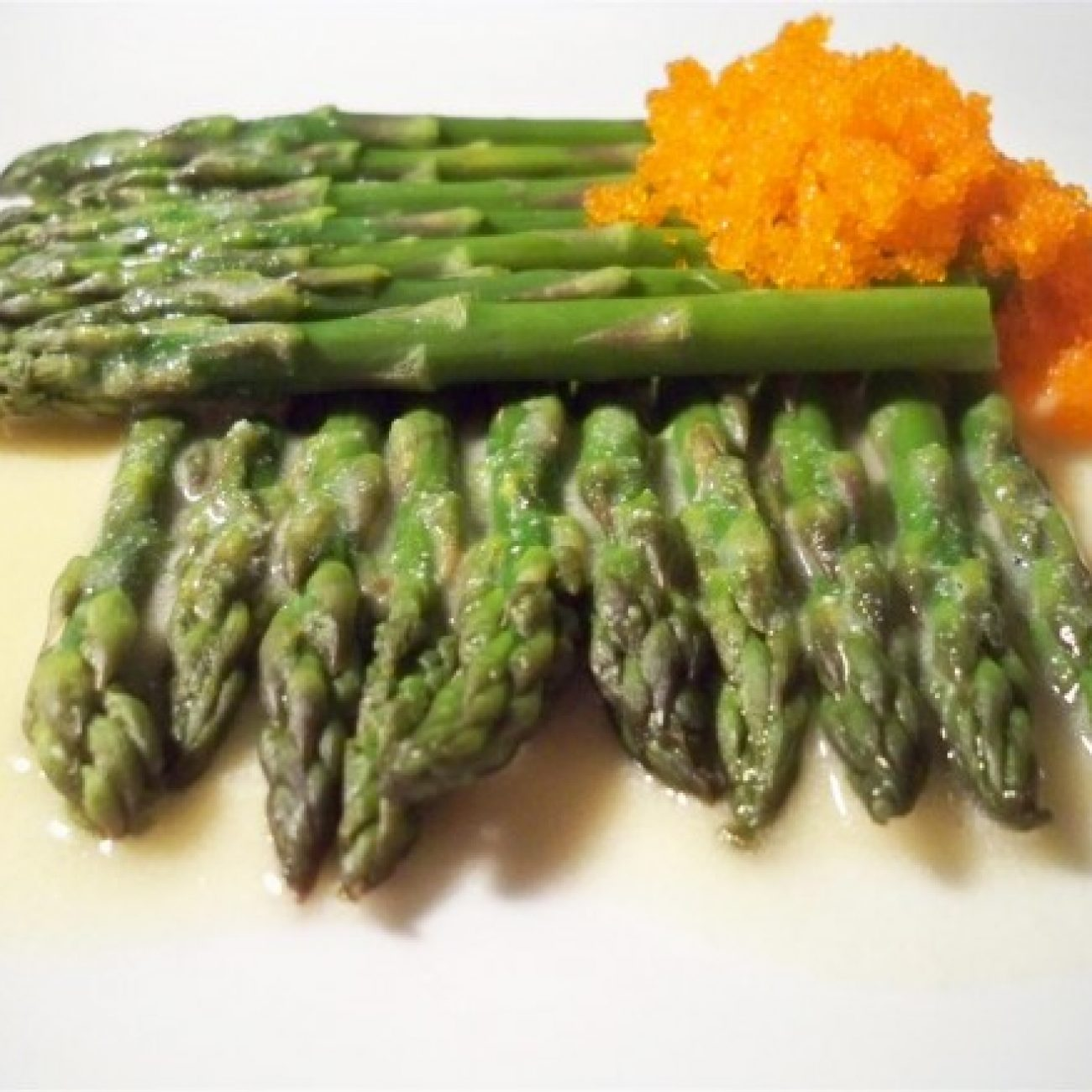 Steamed Asparagus with Tobiko